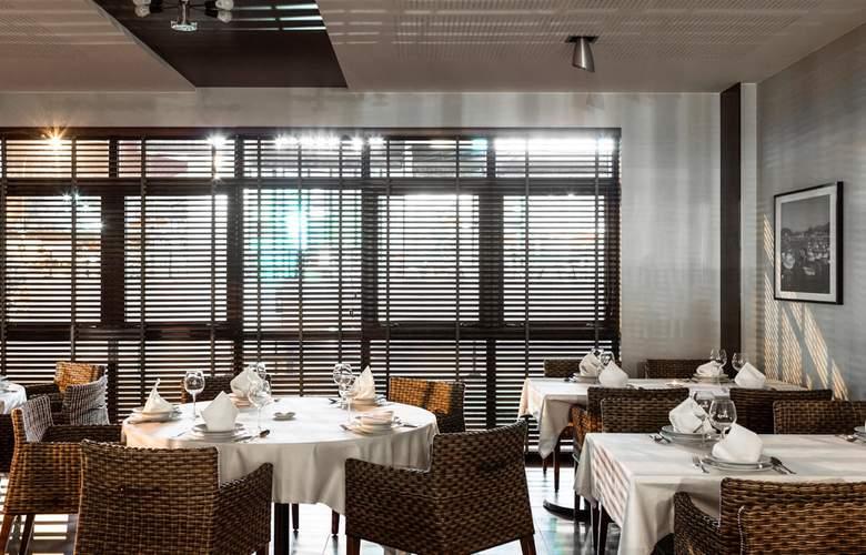 Ibis Styles A Coruña - Restaurant - 17