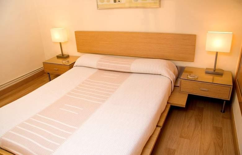 Alos Apartamentos - Room - 9