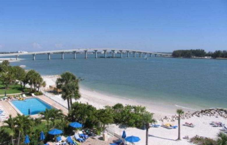Quality Hotel on the Beach - Beach - 7