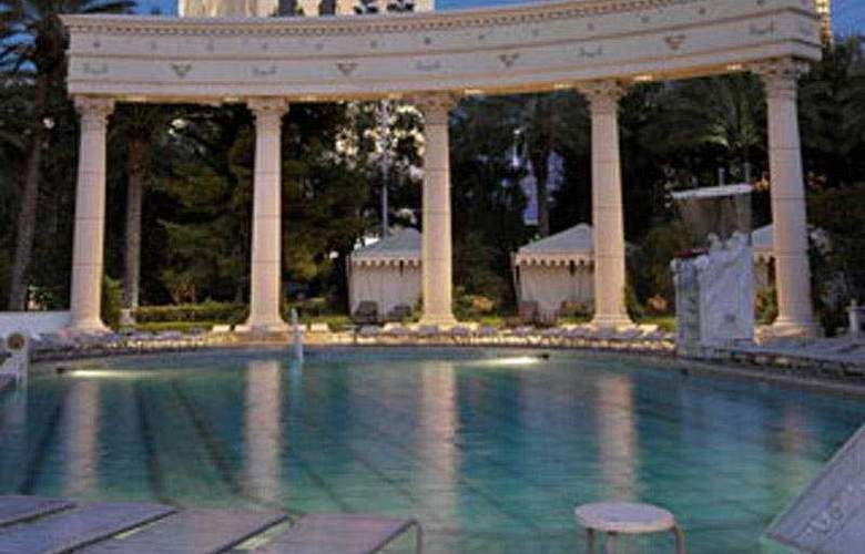 Caesars Palace - Pool - 7