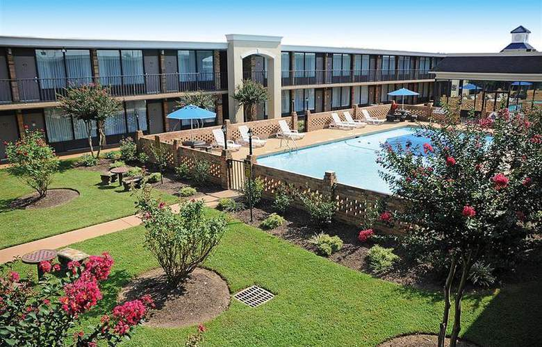 Best Western Greenville Airport - Pool - 25