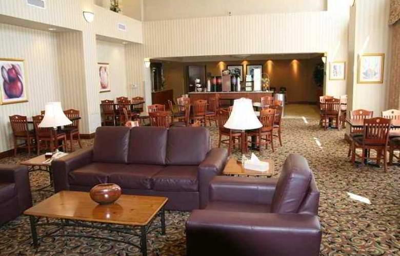 Hampton Inn & Suites by Hilton Kitchener - Hotel - 5