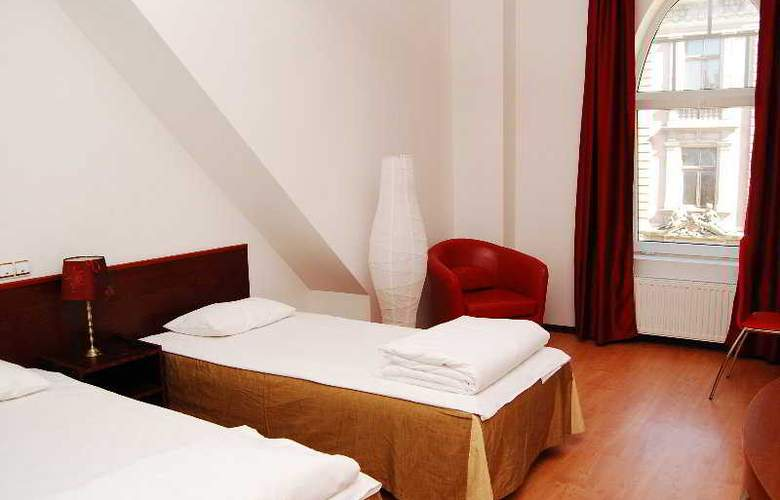 A1 Hotel - Room - 5