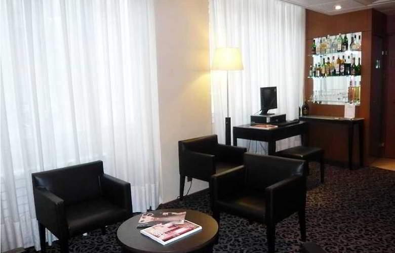 Grand Hotel Du Palais Royal - Bar - 8