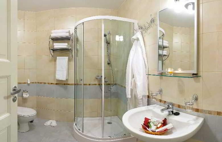 Grand Mark Hotel - Room - 4