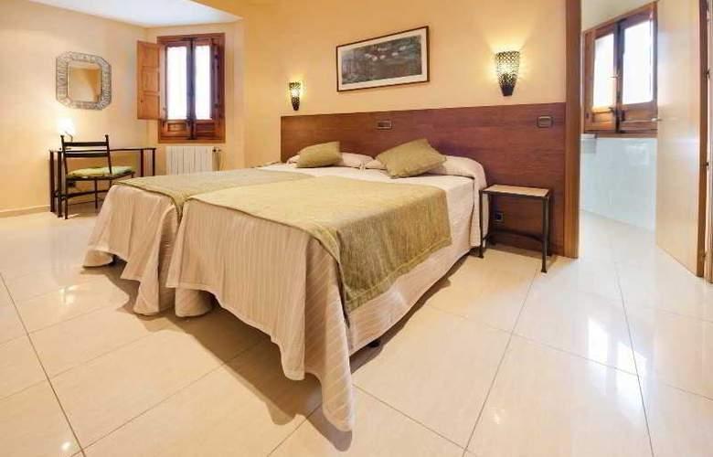 Hotel Sol - Room - 9