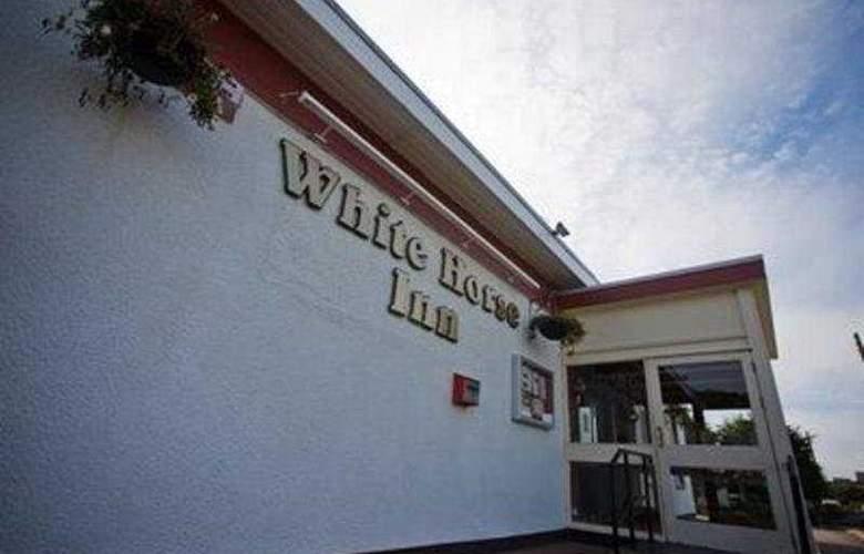 Whitehorse Inn - Hotel - 0