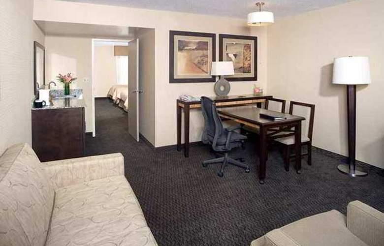 Embassy Suites Birmingham - Hotel - 3