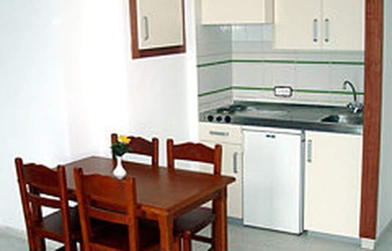 Magalluf Strip - Room - 4