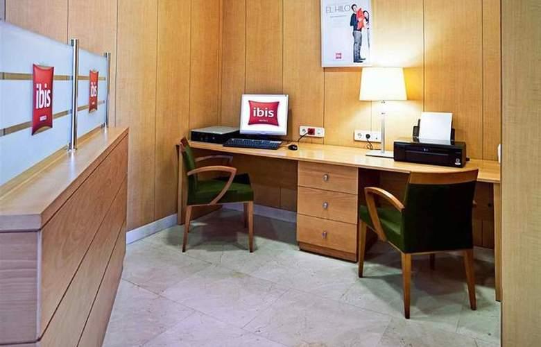 Ibis Madrid Arganda - Hotel - 10