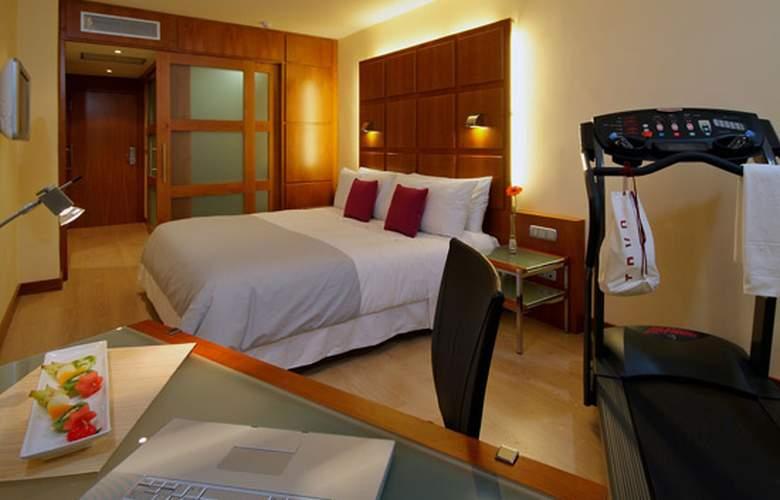Port Azafata Valencia - Room - 11