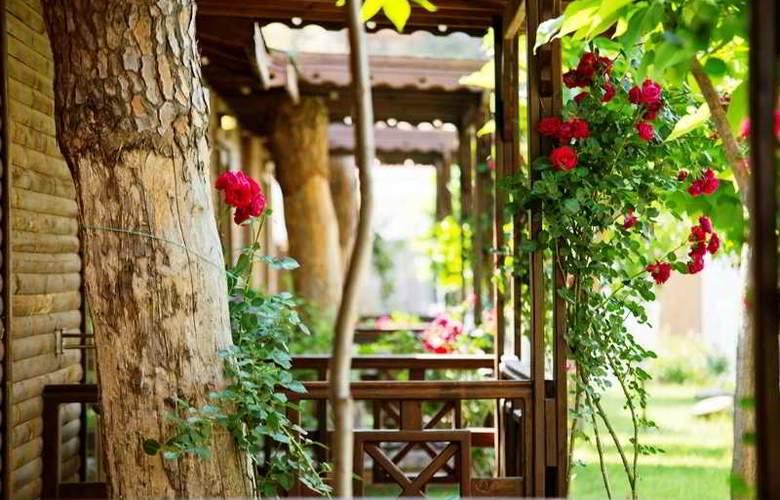 Flora Garden Beach Club - Hotel - 15