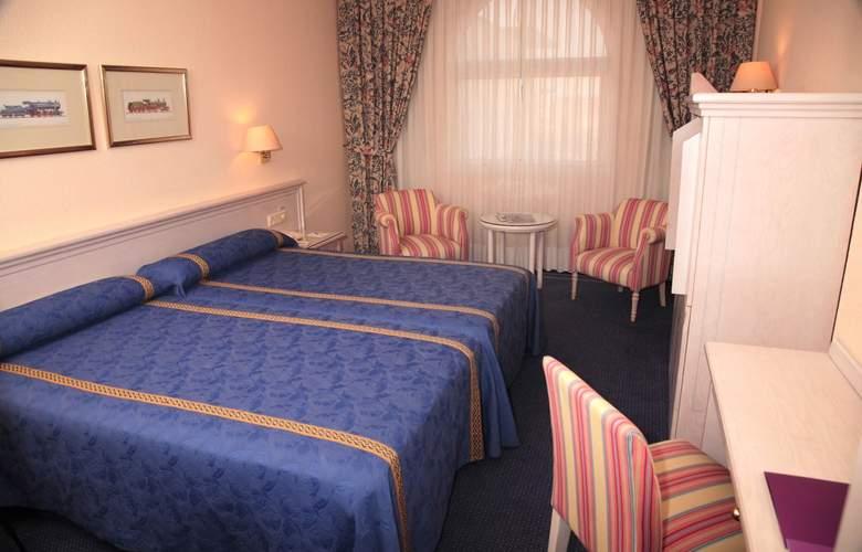 Ayre Hotel Sevilla - Room - 12
