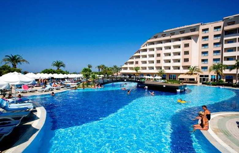 Long Beach Resort - Pool - 13