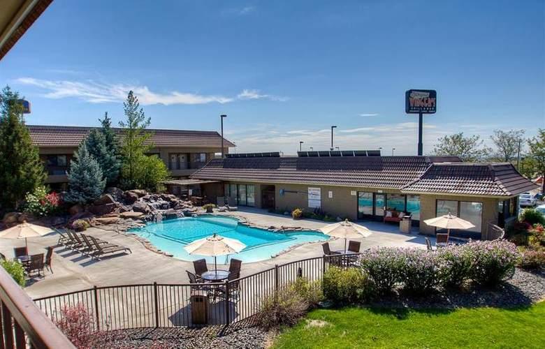 Best Western Foothills Inn - Pool - 84