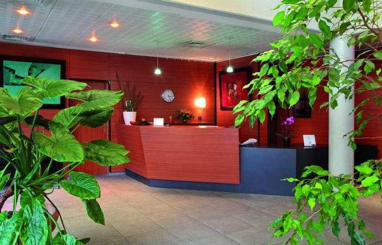 Park & Suites Elegance Grenoble - General - 3
