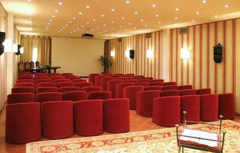 Borgo San Luigi - Conference - 7