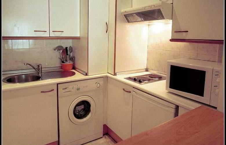 Apartamentos Vértice Bib Rambla - Room - 9