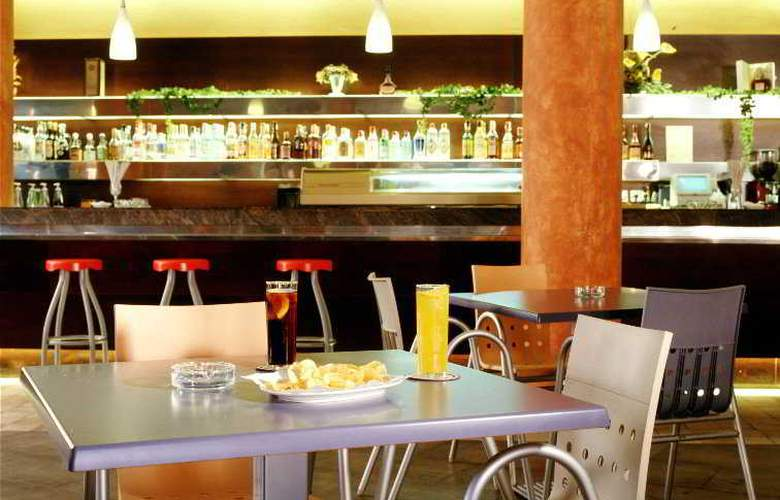 Advise Hotels Reina - Restaurant - 8