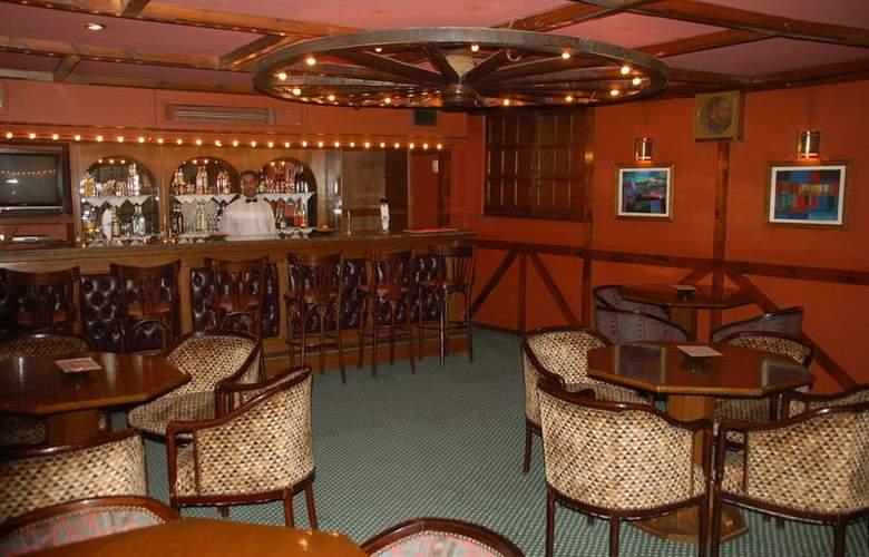 Victoria - Bar - 2