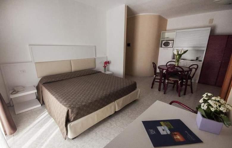 Rina - Room - 4