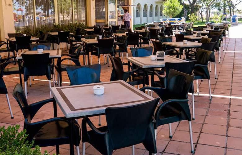 Gran Hotel del Coto - Terrace - 5