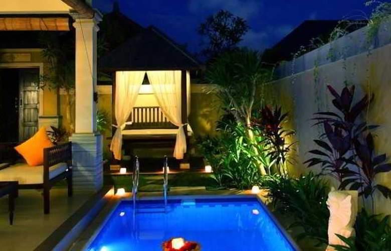 Transera Grand Kancana Villas - Pool - 11