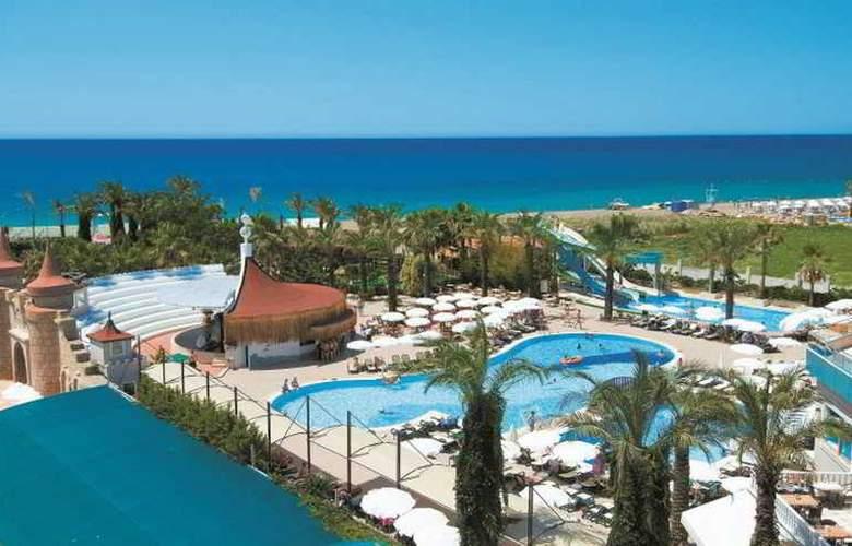 Aydinbey Famous Resort - Hotel - 7