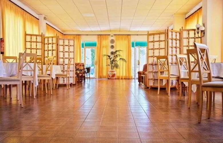 Hotel Tramontana - Restaurant - 9