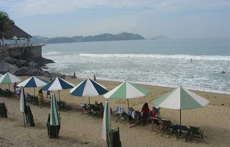 Vista Playa de Oro All Inclusive - Beach - 3