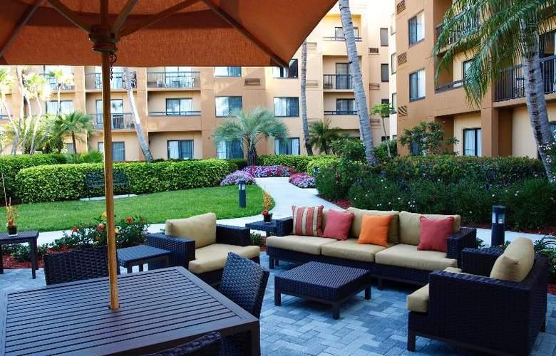 Courtyard Boca Raton - Terrace - 10