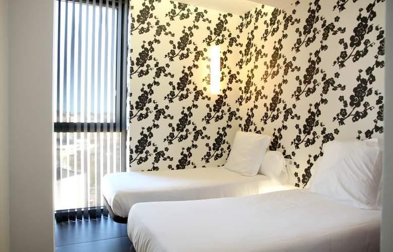 Apartamentos Just Style - Room - 4