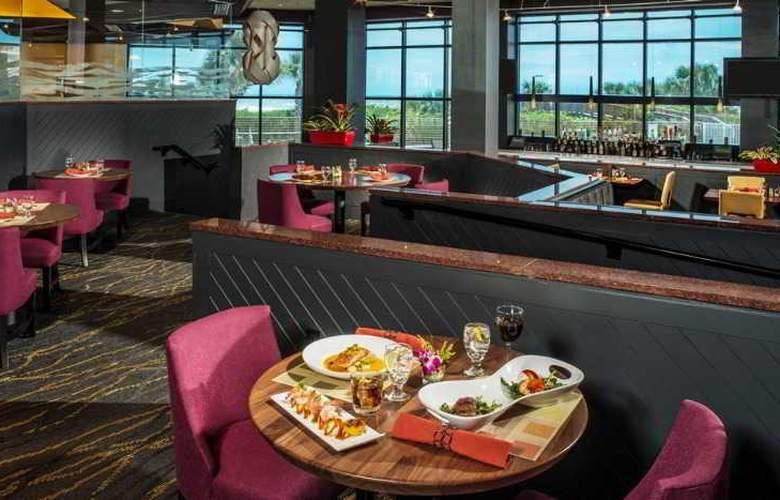 Hilton Cocoa Beach - Restaurant - 22