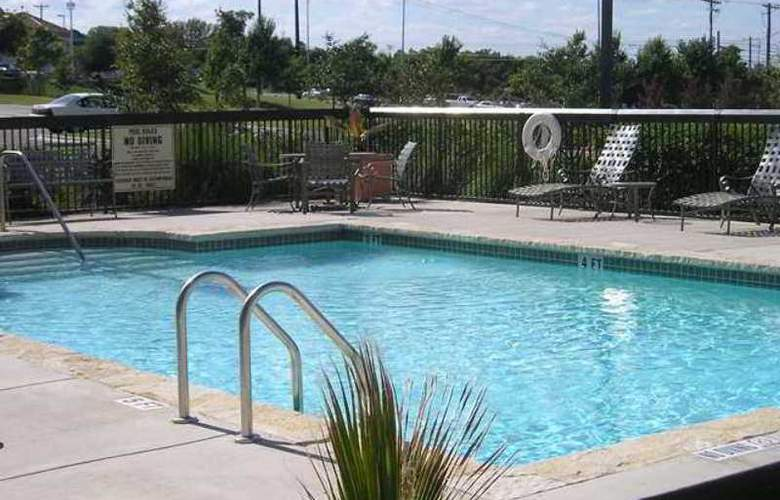 Hampton Inn & Suites Austin-Airport - Hotel - 1