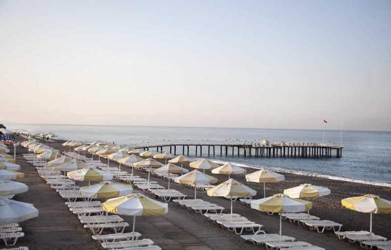 Sunrise Park Resort & Spa - Beach - 33