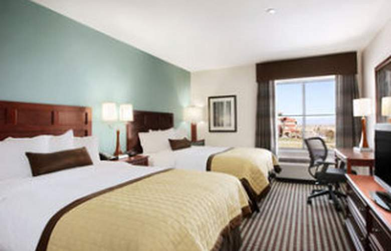 Baymont Inn & Suites Denver International Airport - Room - 5
