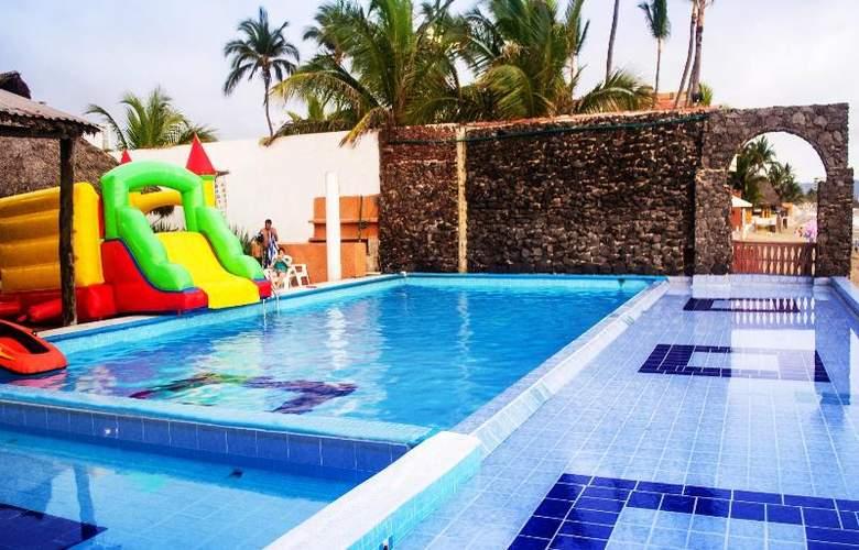 Club Fiesta Mexicana Beach - Pool - 11