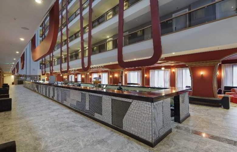 Zen The Inn Resort & Spa - Bar - 4