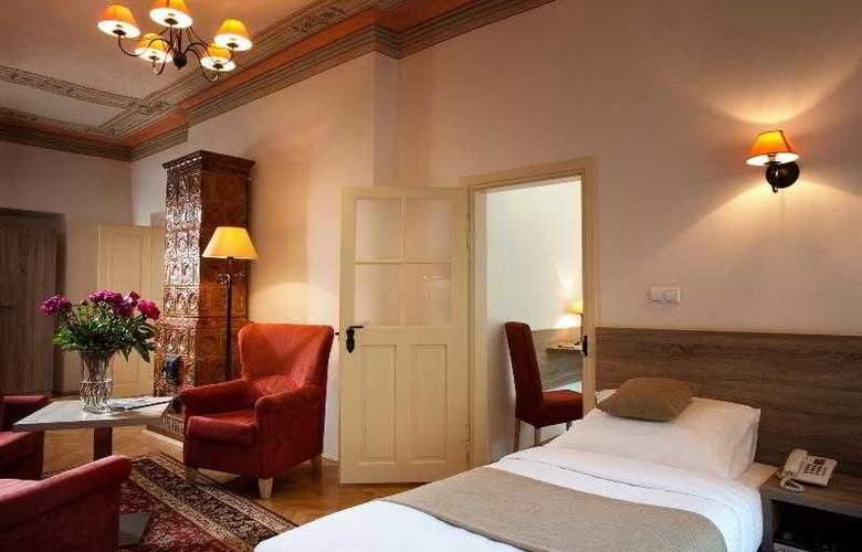 Santi - Room - 8