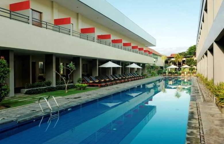 Kuta Station Hotel & Spa Bali - Pool - 7