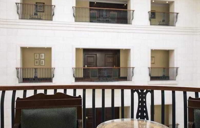 The Ritz-Carlton Budapest - Hotel - 10