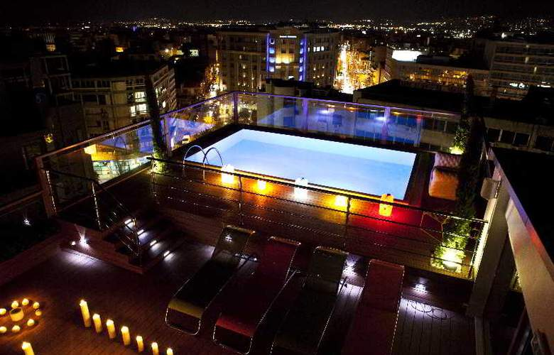 Novus Hotel - Terrace - 9