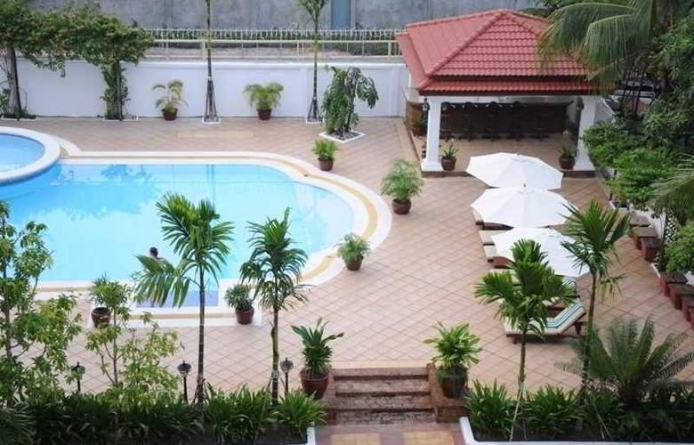 Angkor Star - Pool - 4