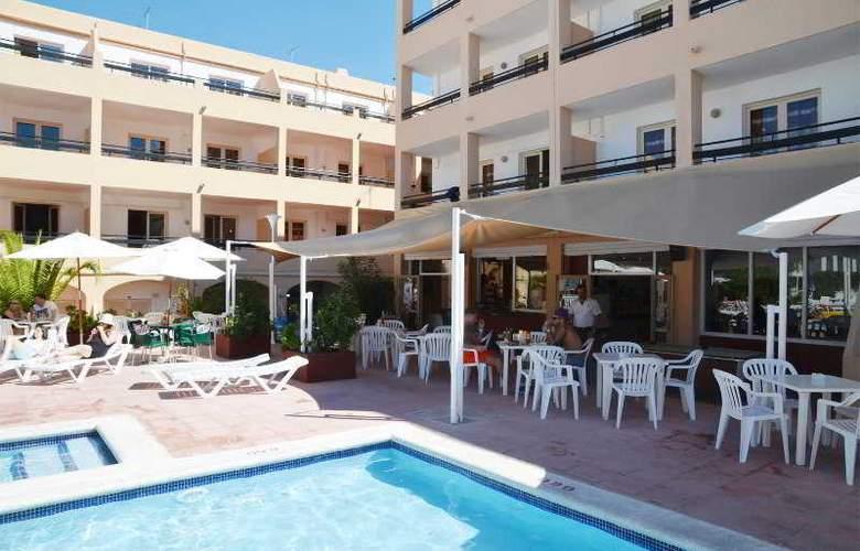 Azuline Apartamentos Sunshine - Terrace - 26