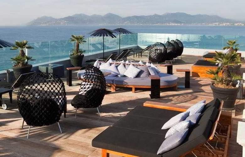 Le Radisson Blu 1835 Hotel & Thalasso - Terrace - 7