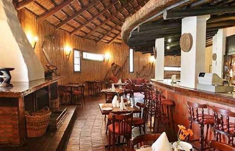 Protea Hotel Oudtshoorn Riempie Estate - Restaurant - 14