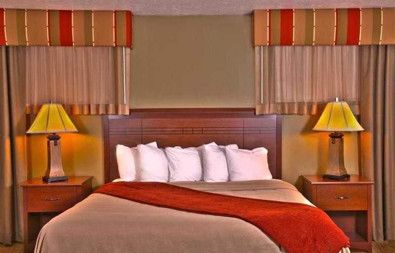 Best Western Town & Country Inn - Hotel - 39