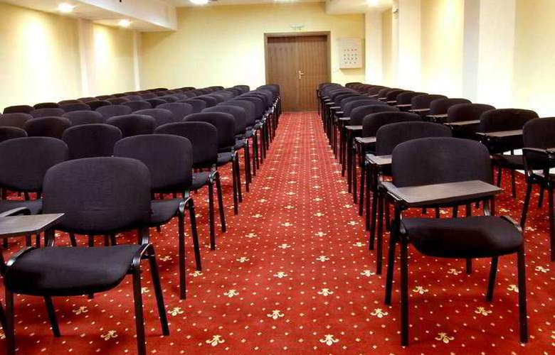 Gardenia - Conference - 7
