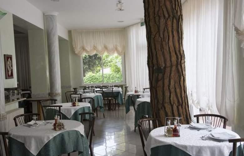 Villa Dei Fiori - Hotel - 2