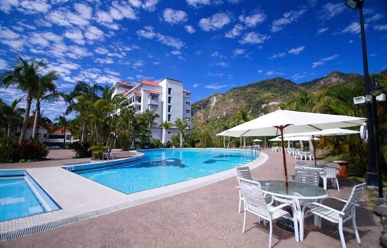 Hibiscus Resort - Pool - 8